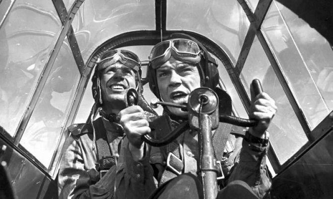 Хроника пикирующего бомбардировщика, советский фильм